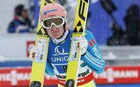 Freund to jump in Sapporo despite injury