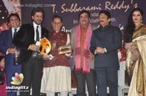 Kalabandhu felicitates SRK, announces Vizag event