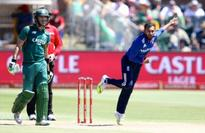 England bowl well at death to restrict Proteas