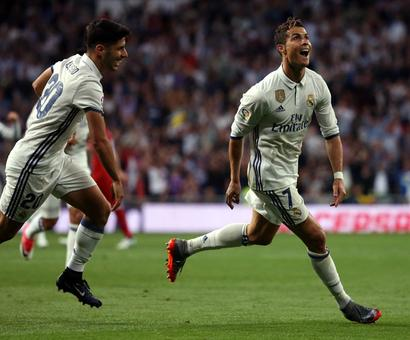 PHOTOS: Real Madrid thrash Sevilla to home in on title