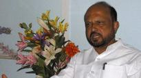 Former Assam CM Prafulla Mahanta, his son wounded in road accident