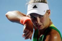 Wozniacki beats Mladenovic to win Hong Kong Open