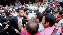 Media-lawyers standoff: Achuthanandan seeks Chief Justice's intervention
