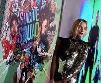 Margot Robbie To Co-Produce 'Harley Quinn'; 'Suicide Squad' Spinoff Movie To Feature Harley Quinn, Poson Ivy Romance?
