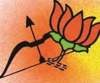 Munde corners Sena-BJP with online campaign