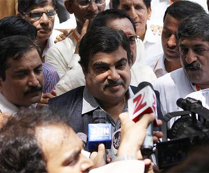No option but to come together: Gadkari on BJP-Sena in Mumbai