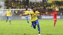 Watch: Vicious Vineeth spoils NorthEast party, steers Kerala Blasters to play offs