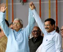 Kejriwal is not a heroine, wouldn't hug him forcibly: Lalu Prasad