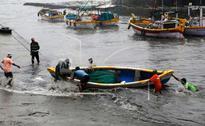 Cyclone 'Ockhi' to make landfall by midnight in Gujarat