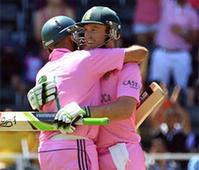 Amla says De Villiers complements him well while batting in ODIs