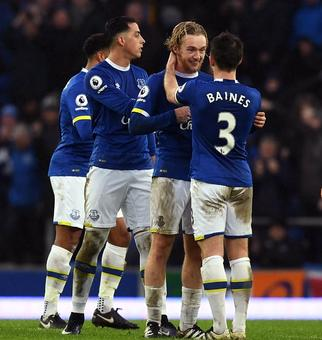 Manchester City's title hopes hit by Everton teens
