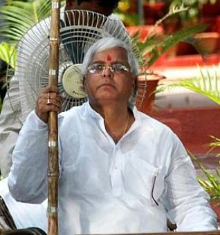 Lalu offers Mayawati RS seat day after she resigns