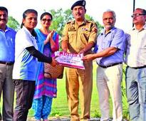 VC, IGP give away prizes of JU sports meet