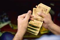 Policeman, others arrested for looting Rs91 lakh in defunct notes