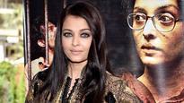 Cannes 2016: Aishwarya Rai Bachchan shines in Rohit Bal at 'Sarabjit' screening