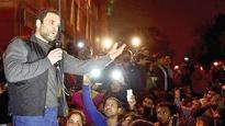 Amid Award Wapsi Threat by Vets, Rahul Takes JNU Plunge