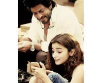 #DearZindagi: Alia and SRK give us a riddle