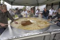 Hebrew Academy Attempts Guinness World Record for Biggest Latka