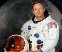 Crowdfunding raises $720,000 to restore Neil Armstrong spacesuit