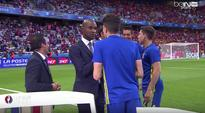 Gerard Pique and Spain stars chat with legendary ex-players before Turkey match (Video)