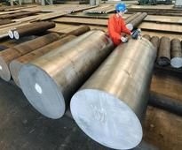 China offers more funds for 'difficult' steel cuts - state planner