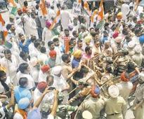 Clash between Cong, BJP workers leaves 10 injured in Ferozepur