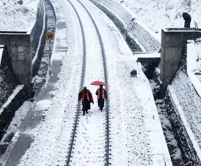 Season's coldest night in Gulmarg, Kargil; Leh records minus 6.5 deg C