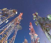 DoT asks FinMin to slash telecom revenue target by 40%