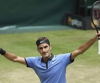 Halle Open: Roger Federer moves into 13th straight semi-final, Alexander Zverev beats Philipp Kohlschreiber
