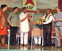 Finolex Pipes with ABP Majha Felicitates Achievers in Agro Industry