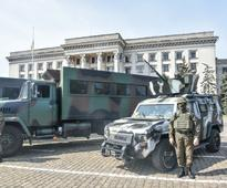 Ukraine accuses separatists of violating Easte... Security forces take security measures around union building against possibi...