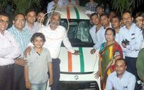 Be my boss: Surat trader Savjibhai Dholakia to again gift his employees car and house as Diwali bonus