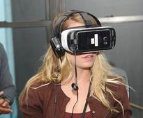 Microsoft VR Headset Release Date, Specs: Stepping Above HTC Vive, Oculus Rift; Will Deliver Powerful Programs for Xbox One? [VIDEO]