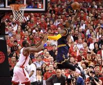 Cavaliers put away Raptors to reach finals