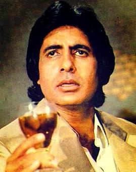 Quiz: Who played Amitabh's father in Sharaabi?