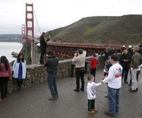 2 Golden Gate Bridge pedestrians hit by blow darts