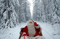 Santa renews pilot's licence, says Transport Canada (VIDEO)