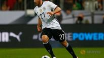 Leverkusen's Volland out for rest of year with muscle injury