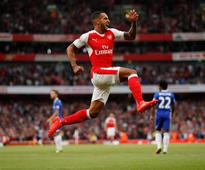 Wenger adamant Walcott was always staying at Arsenal