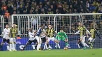 Football: Fenerbahce, Besiktas draw in Istanbul derby