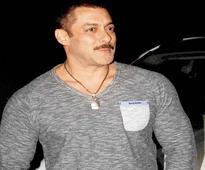 Bollywood hails Salman`s acquittal