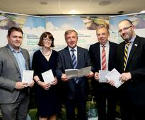 Minister Creed chairs his first meeting of Dairy Forum