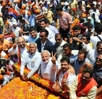 Modi to visit Varanasi tomorrow