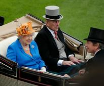 Dartmouth delivers Royal fanfare for Queen