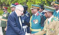 Army generals shouldn't ignore bad conduct of goverment leaders