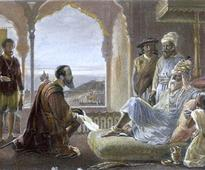A Traveler Even After Death? The Two Tombs of Vasco da Gama