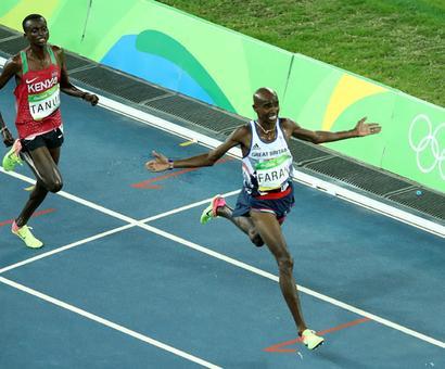 Farah sprints to 10,000m defence at Rio Olympics