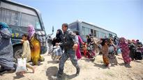 Iraqis flee Fallujah amid liberation op 3hr