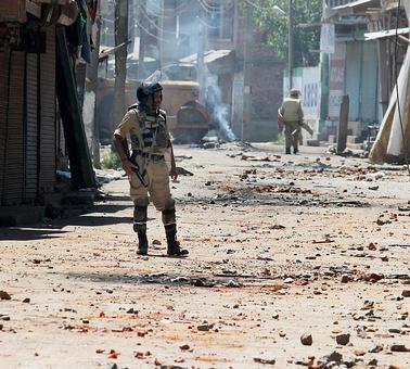 Peace again gets stoned to death in Kashmir; toll rises to 65