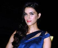 Don't think it will be difficult to gel with Farhan: Kriti Sanon